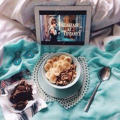 24 Super Ideas Breakfast In Bed Photography Coffee Lazy Sunday Breakfast At Tiffanys, Breakfast In Bed, Romantic Breakfast, Lazy Sunday, Lazy Days, Bon Weekend, C'est Bon, Me Time, Chefs