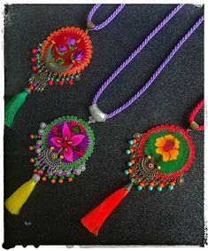 Bead Embroidery Jewelry, Textile Jewelry, Fabric Jewelry, Beaded Embroidery, Handmade Jewelry Bracelets, Jewelry Crafts, Jewelry Art, Beaded Jewelry, Jewellery