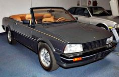 Inspite of selling 404 and 504 cabriolets, this prototype Peugeot 505 Cabriolet unfortunately never made it to the production stage. 505 Peugeot, Psa Peugeot Citroen, French Classic, Classic Cars, 306 Cabriolet, Peugeot France, Pretty Cars, Classic Motors, Convertible