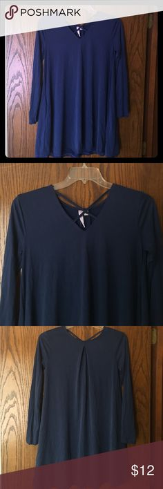 New francescas long sleeved dress Blue long sleeved dress. Never worn. New with tag. Rich in color. Has pockets! Francesca's Collections Dresses Long Sleeve