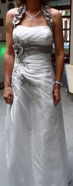 ♥ Wunderschönes Brautkleid von Ladybird Gr 36/38 ♥  Ansehen: http://www.brautboerse.de/brautkleid-verkaufen/wunderschoenes-brautkleid-von-ladybird-gr-3638/   #Brautkleider #Hochzeit #Wedding