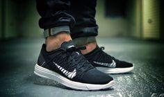Nike Lunar Racer 3 - Black