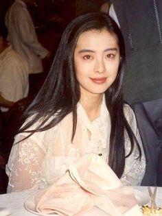 Joey Wong 名前 ジョイ・ウォン かな  じょい・うぉん 英語名 Joey Wang 職業 役者 性別 女性 出身地 台湾台北市 生年月日 1967年1月31日(47歳)(みずがめ座) 別表記 王祖賢 亜州明星総覧:王祖賢掲示板