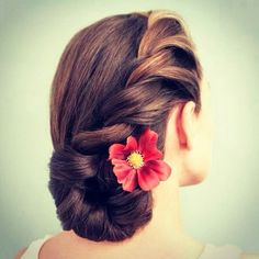 simple and sophisticated..retro chic braid..