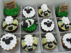 Shaun the Sheep cupcakes. Love these cute little guys! I could do that! Mini mallows and fondant!