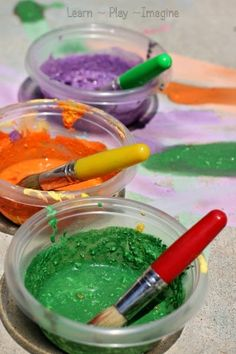 How to make sidewalk chalk paint - a NEW cornstarch free recipe for sidewalk chalk paint in amazing vibrant colors!