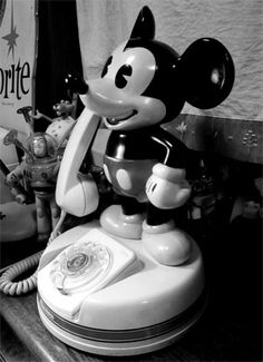 Old Mickey Mouse Telephone : I Want This !!