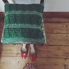 You might want to take a seat... IT'S FRIDAY ALREADY! #freebeefridayknits is all ready for you too #ravelry