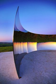Curved Steel Walls Reflect an Upside Down World by Indian-born British sculptor Anish Kapoor - My Modern Metropolis