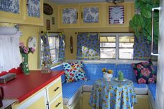 Vintage Camper Decorating Ideas | Mountain Retreat Craft Trailer - Other Space Designs - Decorating ...