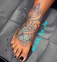 Foot Tattoos Girls, Cute Foot Tattoos, Badass Tattoos, Dope Tattoos For Women, Black Girls With Tattoos, Wrist Tattoos For Women, Feminine Tattoos, Girly Tattoos, Pretty Tattoos
