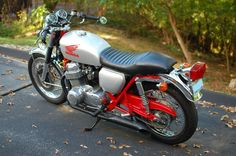 Cafe Racers, new and old. Honda 750, Motorbike Design, Cb750, Cafe Racers, Motorbikes, Motorcycles, Wheels, Cars, Watch
