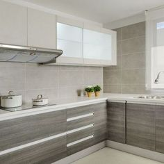 Fabulous Modern Kitchen Sets On Simplicity , Efficiency And Elegance Tips & Guide 14 - homemisuwur Modern Kitchen Cabinets, Kitchen Cabinet Design, Smart Kitchen, Kitchen Flooring, Interior Design Kitchen, Home Decor Kitchen, Home Kitchens, Best Kitchen Designs, Küchen Design