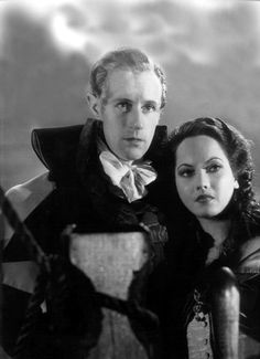 Leslie Howard and Merle Oberon in The Scarlet Pimpernel 1935