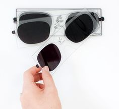 Finally - 3D sticker STIX for those already wearing glasses - from Visique?