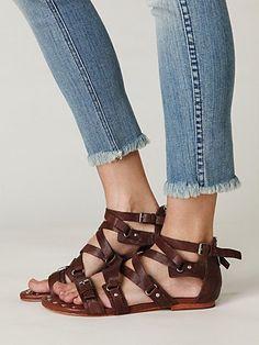 las sandalias - sandals