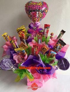 Arreglo de cumpleaños mamá, Arreglo para el día de las madres, Detalle para mamá, Regalo de dulces disponible en diferentes colores, Arreglo de globos monterrey