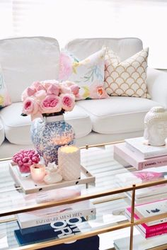 Spring Decor with Garden roses and floral pillows What's Decoration? Decoration is the art of decorating the inner and … Living Room Interior, Living Room Decor, Bedroom Decor, Hall Interior, Living Rooms, Bedroom Furniture, Spring Home Decor, Pastel Home Decor, Colorful Decor