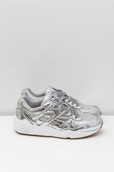 Puma R698 X Trinomic X Alife, puma silver / white. Part of the Puma x Alife collection, this classic running silhouette features a mirror...