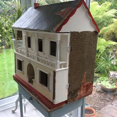 Lines house salvage Antique Dollhouse, Antique Dolls, Vintage Dolls, Doll Houses, Play Houses, Dollhouse Furniture, Old And New, Antiques, Board