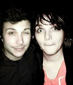Frank: omg im next to Gerard try and act cool Gerard: omg im next to frank *holds in fan girl scream*