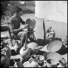 Greece Pictures, Old Pictures, Old Time Photos, Vases, The Son Of Man, Yesterday And Today, Athens Greece, Painting Lessons, The Dreamers
