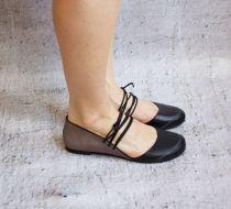 Cecile - Siyah - Topuklu Bayan ayakkabısı Bu ayakkabıtamamen el yapımıdır. İyi kalite gerçek deri kullanılmıştır. Hem şık.... 99855