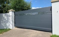 Front Gate Design, Main Gate Design, Door Gate Design, House Gate Design, Aluminium Gates, Front Gates, Garage Doors, Motifs, Garden