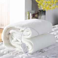 🛍 LAY DOWN FOR LESS 🛍 Fleecy Fully Fitted Heated Electric Blanket Double 35 IN STOCK Contact With : mattressoffers We're offering an exclusive discount of all our Electric Blanket. Sun Lounge Chair, Garden Lounge Chairs, Outdoor Furniture Sofa, Furniture Sofa Set, Wooden Shoe Racks, Wooden Bar Stools, Heated Blanket, Electric House, Pillow Top Mattress