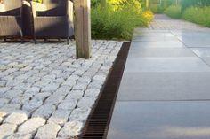 Abflussrinne für öffentliche Bereiche / aus Beton / aus Polymermaterial / Gitter RAINDRAIN ACO