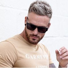 4655 Likes 55 Kommentare Herren Outfit & Lifestyle Inspo (@ auf I Popular Short Hairstyles, Cool Hairstyles For Men, Cool Haircuts, Latest Hairstyles, Hairstyles Haircuts, Haircuts For Men, Mens Hairstyles Fade, Undercut Hairstyle, Undercut Men