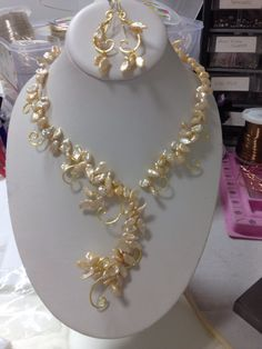 Meshing pearl torque necklace