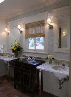 While pedestal sinks are sleek and beautiful, their major drawback is the loss of storage space. Recessed medicine cabinets serve double duty as both mirrors and toiletry storage.
