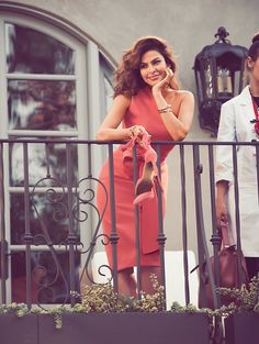 Actress Eva Mendes teams up with fashion brand New York & Company once again to design for the spring-summer 2017 season. The 43-year-old poses in the new season's campaign wearing colorful designs. Eva's spring collection features over 100 pieces including apparel, shoes, handbags and jewelry. The line spotlights flirty, fit and flare dresses as well …