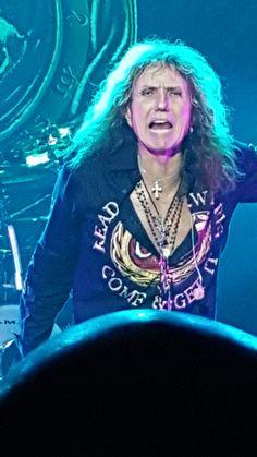 David Coverdale. Whitesnake - Greatest Hits Tour. Revention Center. Houston,Texas 6-5-2016