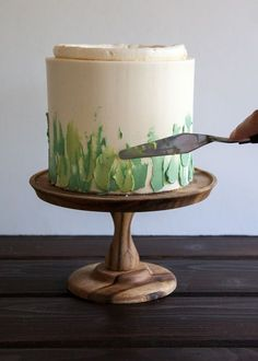 Style Sweet CA Turns — Style Sweet - Super easy palette knife painting technique tutorial – Leslie Jones Robinson - Cake Decorating Designs, Easy Cake Decorating, Cake Decorating Techniques, Decorating Ideas, Buttercream Cake Decorating, Buttercream Cake Designs, Buttercream Icing, Buttercream Flower Cake, Buttercream Flowers Tutorial
