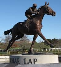 statue of phar lap - Google Search A true champion both in Australia & the USA. 1926 (NZ)-1932 (in USA where some still maintain he was poisoned, either accidentally or intentionally).