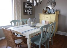 grain sack dining table, dining room ideas, home decor, painted furniture, rustic furniture Dining Room Chairs, Dining Table, Porch Table, Kitchen Tables, Kitchen Redo, Rustic Kitchen, Dining Set, Old Wood Table, Dark Table