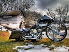 harley davidson road glide custom :* what a beauty. #bikes #modified #bigwheel