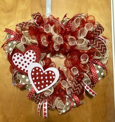 Luxury Diy Valentines Day Wreath Ideas That Will Make Your Front Door Speak Romantic Verses. If you are looking for Diy Valentine& Day Wreath Ideas That Will Make Your Front Door Speak Romantic Verses, You  Diy Valentines Day Wreath, Valentines Day Decorations, Valentine Day Crafts, Valentine Ideas, Valentine Stuff, Printable Valentine, Homemade Valentines, Valentine Box, Wreath Crafts