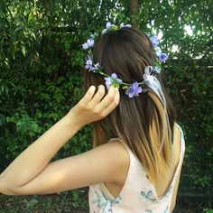 """Enjoying my last few days with this hair color"" Tags : girl girl floral flower crown bohemian vintage outfit"