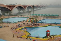 Harry Gruyaert. SOUTH KOREA. Han River, Seoul. 2007