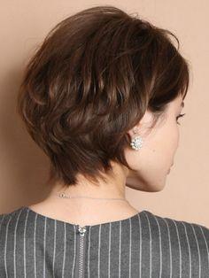 Short Sassy Haircuts, Layered Bob Hairstyles, Short Hairstyles For Women, Cool Hairstyles, Hairstyle Short, Short Hair With Layers, Short Hair Cuts, Medium Hair Styles, Curly Hair Styles