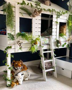 Jungle safari room