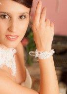 """Bracelet mariage """"Joséphine"""" en dentelle de Calais"""