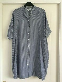 & Other Stories, Oversized Blue & White Striped Comfy Shirt Dress - UK Size EU 34 (would fit a size Blue and white striped shirt dress. Oversized dress featuring a buttoned front. This is a particularly lovely oversized dress and would fit a size 8 or Oversized Shirt Dress, Striped Shirt Dress, Shirt Dresses Uk, Japanese Couple, Smock Dress, Floral Maxi Dress, Size 10, Blue And White, Comfy