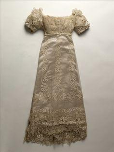 Robe de mariée de la princesse d Essling   Palais Galliera   Musée de la f95cc0f26ec0