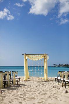 Destination Wedding in the Bahamas   The Destination Wedding Blog - Jet Fete by Bridal Bar