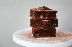At last a guilt-free brownie that& gluten free, low in fat and high on taste. Suitable to freeze in individual portions, if it lasts that long. Slab Cake, Guilt Free, Brownies, Biscuits, Frozen, Gluten Free, Snacks, Cakes, Desserts