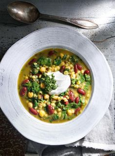 Warm yourself from the inside out with these nutritious and delicious soup recipes filled with hearty lentils, beans, chicken and tons of seasonal veggies. Best Soup Recipes, Lentil Recipes, Veggie Recipes, Ww Recipes, Recipies, Protein Veggie Meals, High Protein Vegetarian Recipes, Vegetarian Meals, Ricardo Recipe